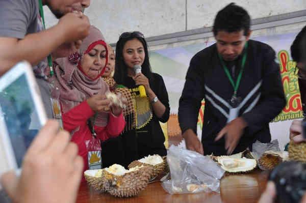 Meriahnya Kontes Durian Rancamaya