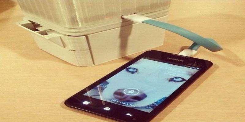 Air Garam dapat Digunakan Mengisi Baterai Ponsel