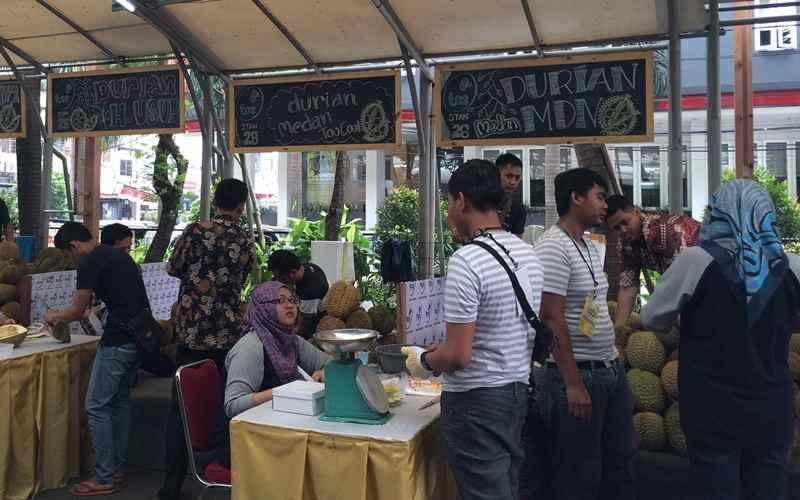 Makan Durian Sepuasnya di Fruit & Veggie Festival