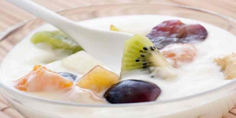 """Tips Membuat Santapan Sehat """"Sop Buah Yoghurt"""""""