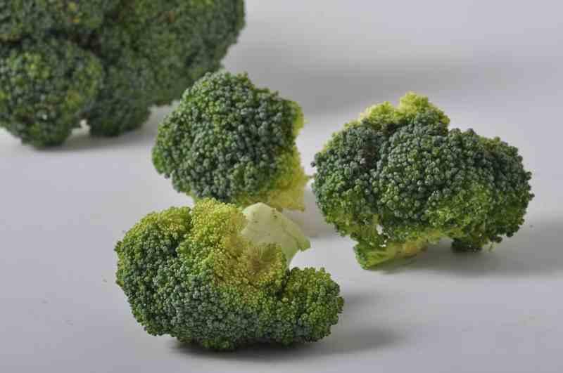 Tips Jitu Bersihkan Ulat pada Brokoli