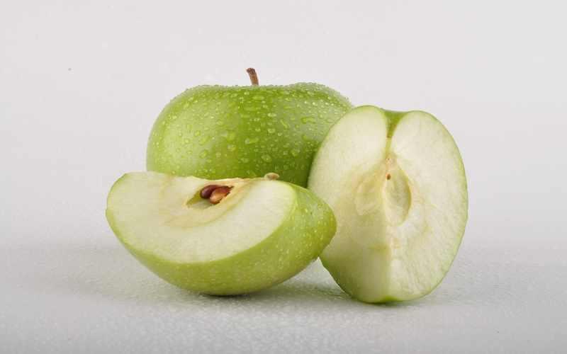 amankah-konsumsi-apel-yang-bijinya-terkontaminasi-sianida