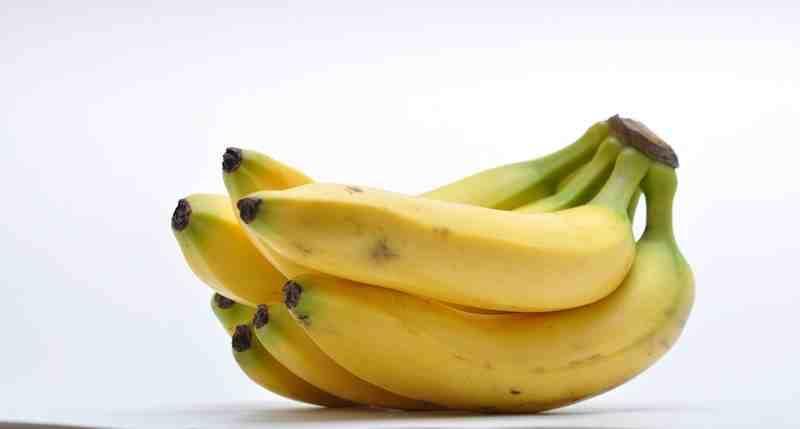 redakan-sakit-kepala-dengan-kulit-pisang