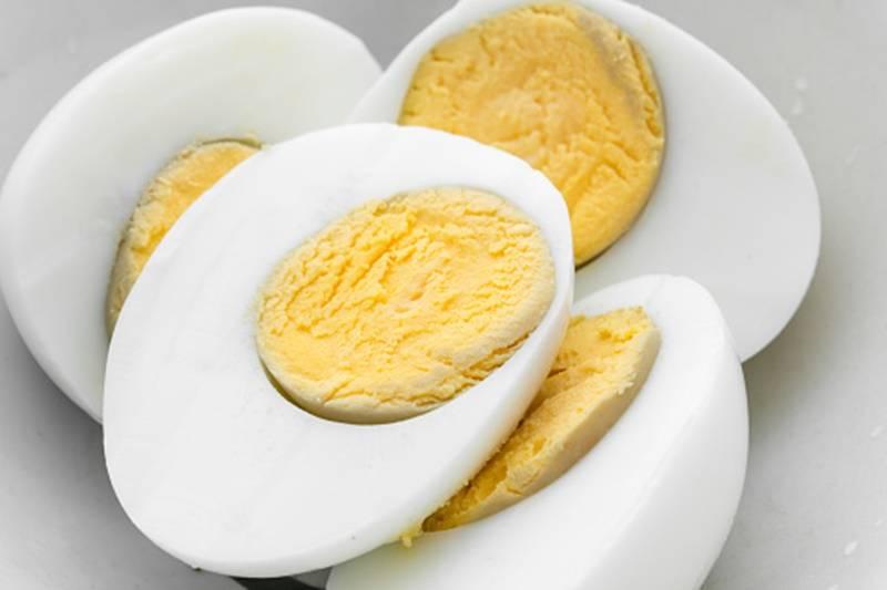 telur-yang-dihasilkan-dari-ayam-yang-sering-berkeliaran-lebih-bervitamin-benarkah