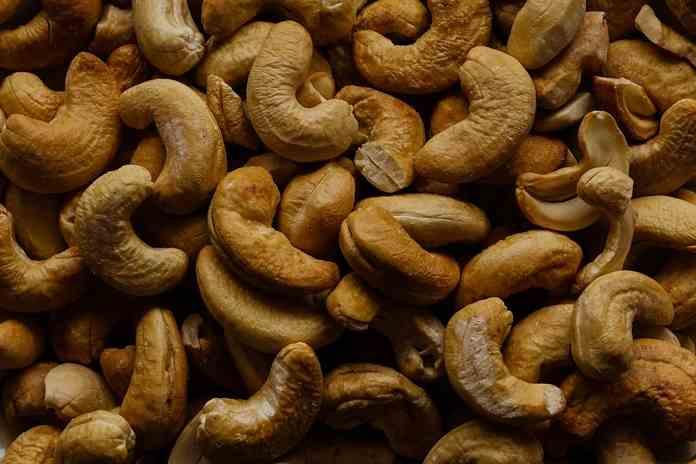 asal muasal kacang mede