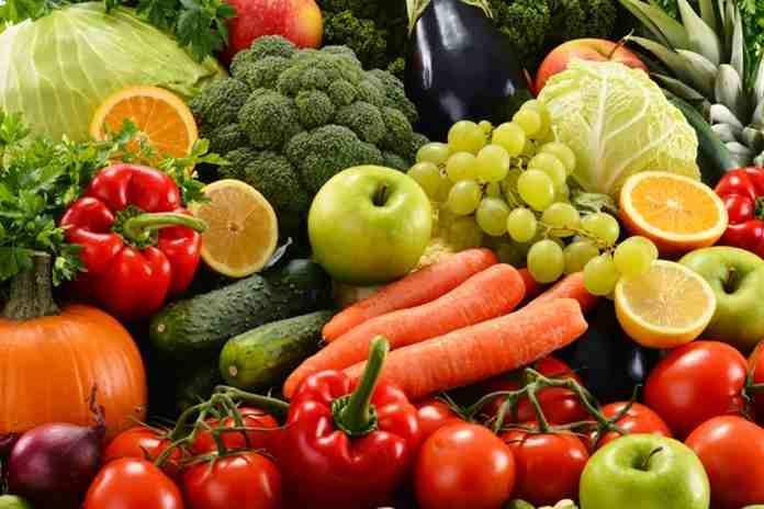 Konsumsi buah dan sayuran mentah