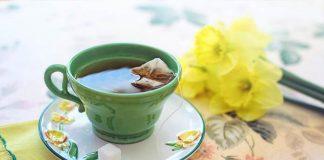 minuman teh atau kopi
