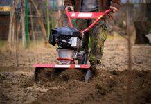 alat pertanian modern