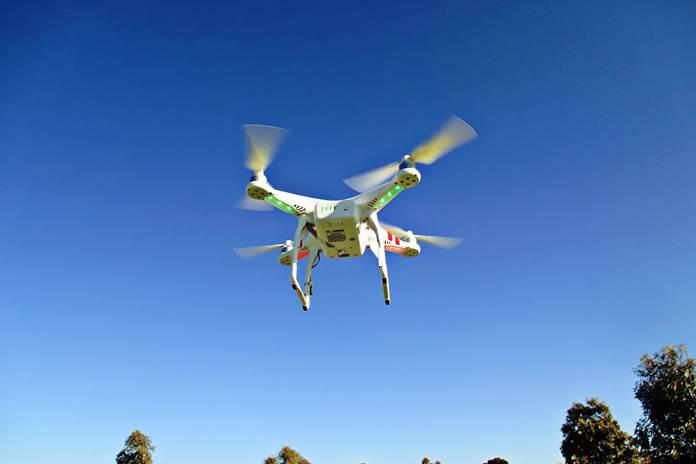 drone penebar pupuk granul