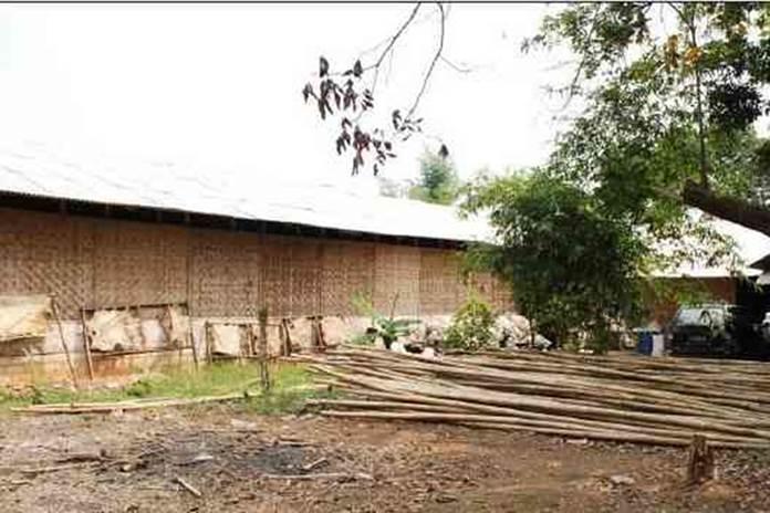 dinding rumah kumbung