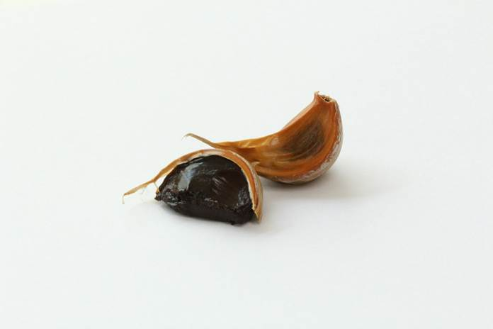 bawang putih hitam